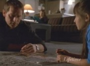 Jake et Zoe au premier plan, Grace au second : tout un symbôle, celui d'un lien qui s'est brisé...